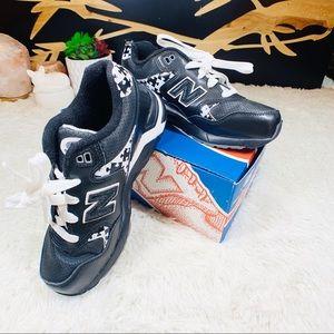 Black new balance youth size 2 1/2 shoes NWT